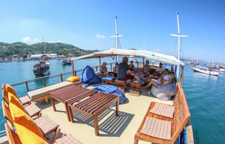 MA sun deck