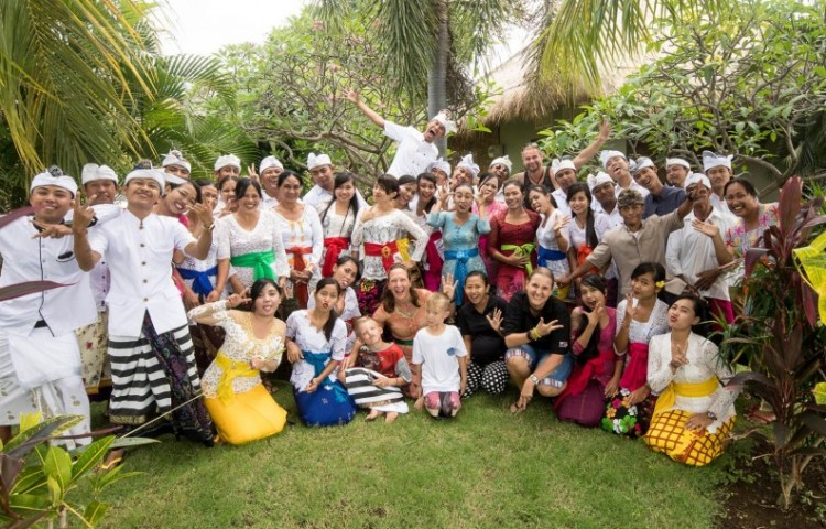 Relax Bali crew