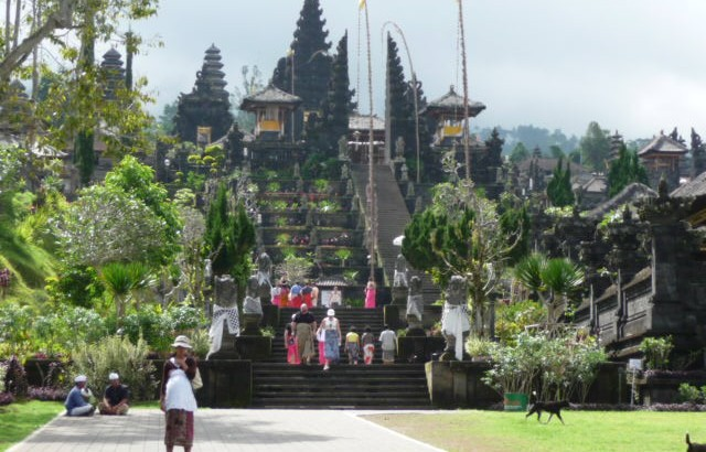 Besakih s Relax Bali resort