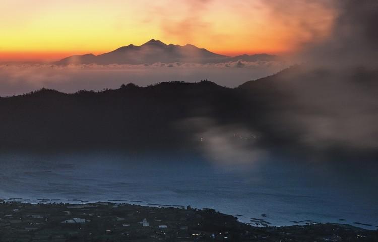 Svítání voblasti Baturu