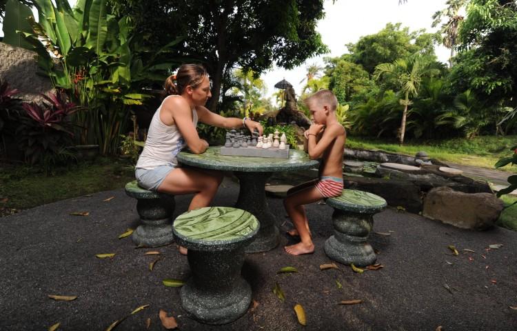 šachy u jezírka