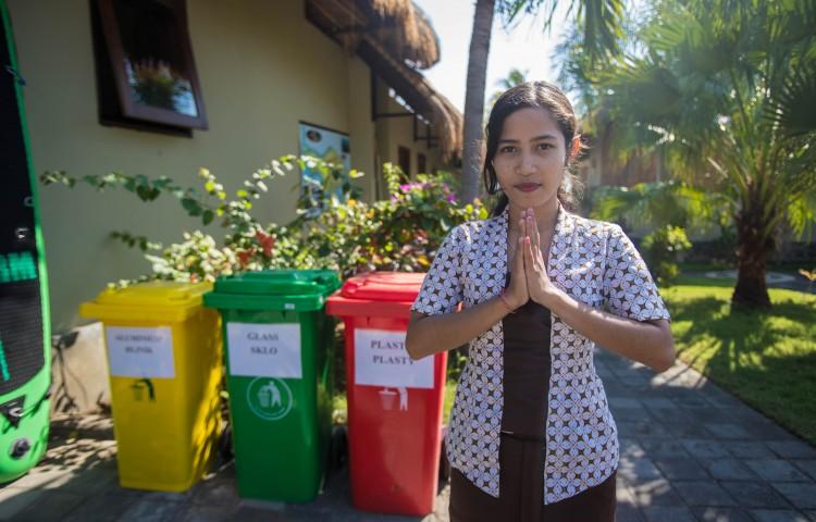 separujeme odpad - ten odvážíme k recyklaci