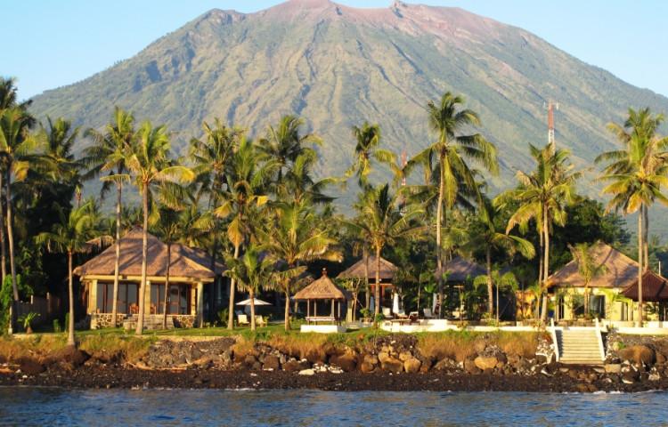 RELAX BALI - v pozadí sopka Agung