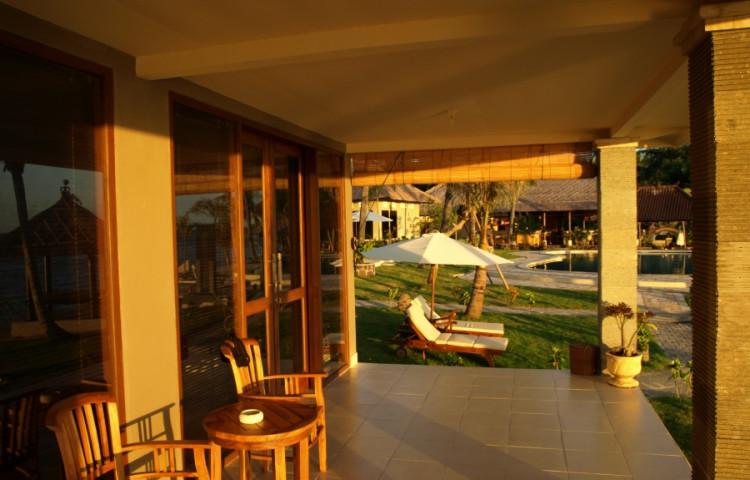 terasa rodiného bungalovu F části Relax ( de luxe) resortu RELAX BALI