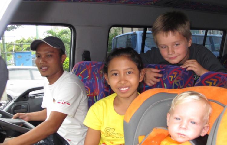dětská sedačka, brouzdaliště, dětská postýlka, hlídání - RELAX BALI