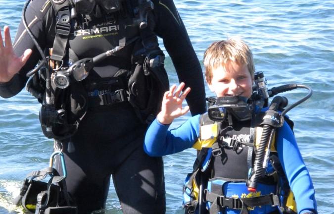 potápění je nejen pro dospěláky, na fotce Jindřich a jindřich Soukalovi -RELAX BALI