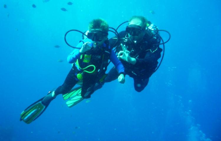 zkušební ponory, kurzy potápění OWD, AOWD, specializace i divemaster -RELAX BALI