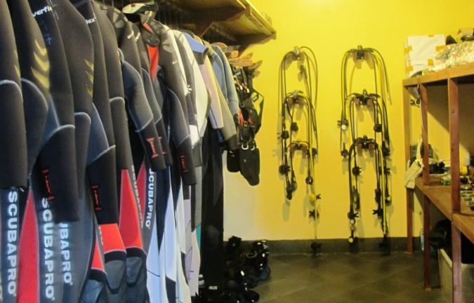 scuba diving equipment rental