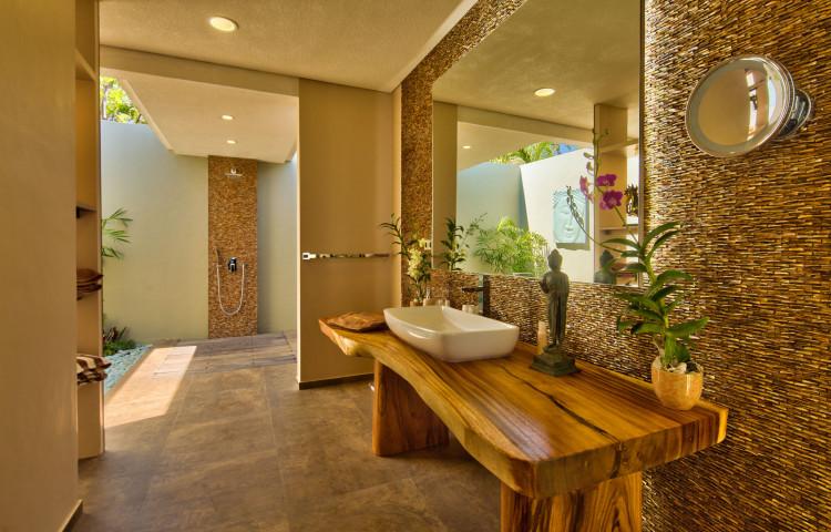 koupelna vily Relax residence, obě ložnice mají svojí vlastní.
