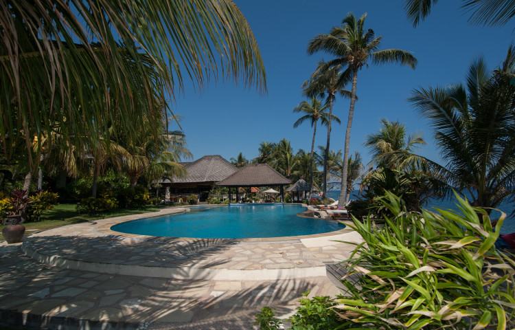 Relax Bali, část Relax. 17 metrový bazén